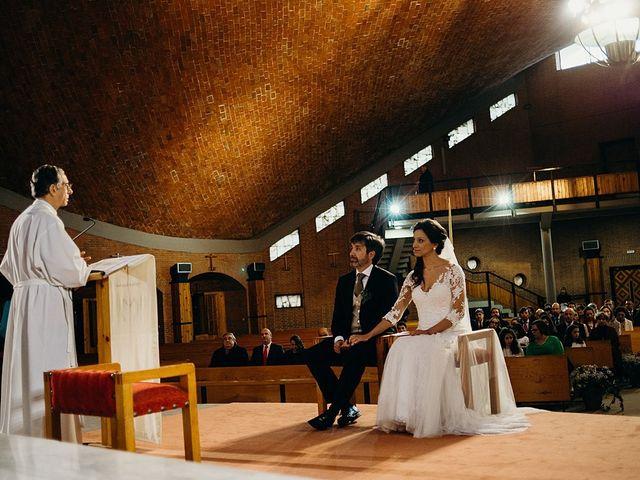 La boda de Luis y Yvonne en Madrid, Madrid 14