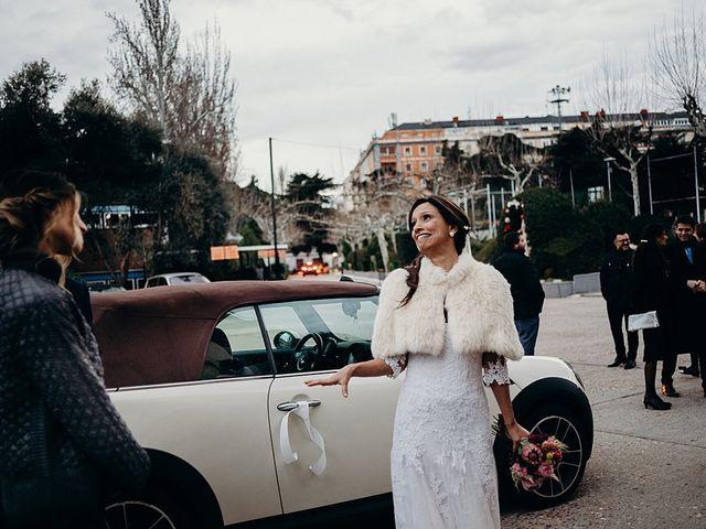 La boda de Luis y Yvonne en Madrid, Madrid 17