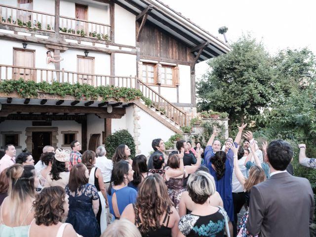 La boda de Miguel Ángel y Agurtzane en Galdakao, Vizcaya 17