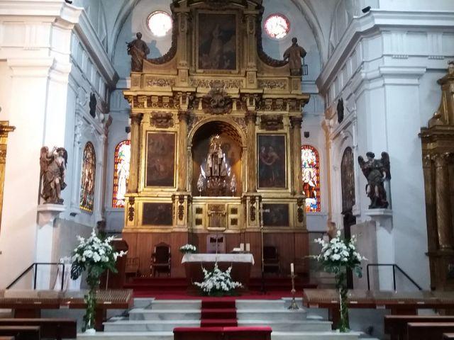 La boda de Roberto y Mónica  en Valladolid, Valladolid 3