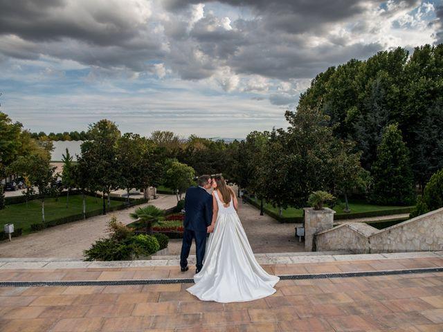 La boda de Raúl y Verónica en Villanubla, Valladolid 42