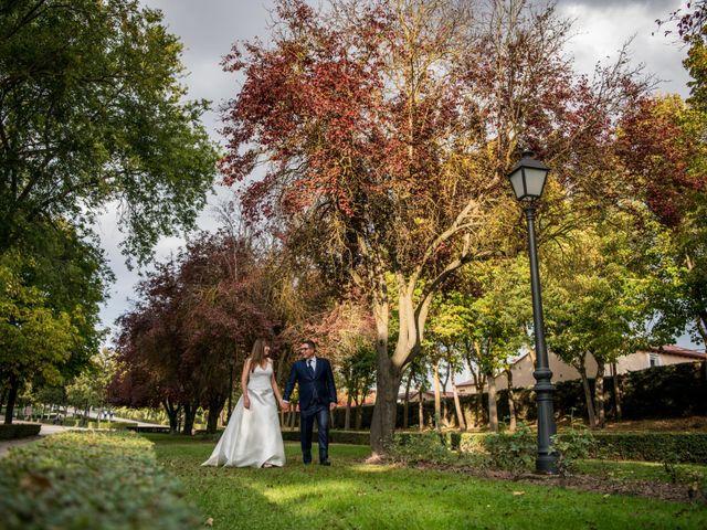 La boda de Raúl y Verónica en Villanubla, Valladolid 44