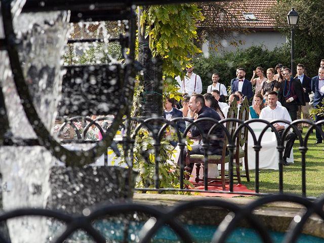La boda de Andoni y Jennifer en Erandio, Vizcaya 23