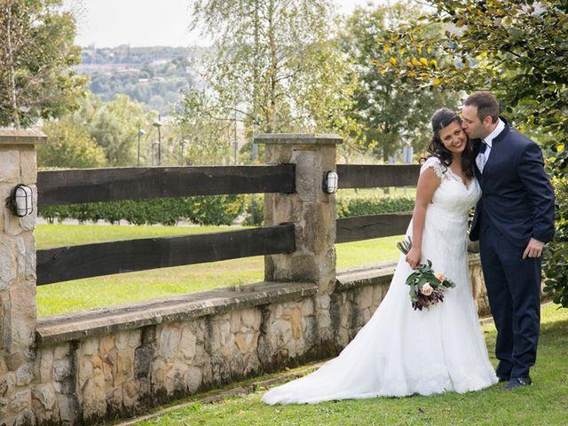 La boda de Andoni y Jennifer en Erandio, Vizcaya 36