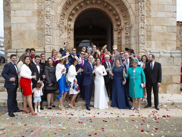 La boda de Carmen y Francisco en Almendralejo, Badajoz 25