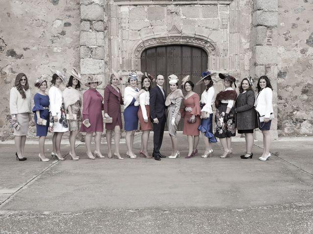 La boda de Carmen y Francisco en Almendralejo, Badajoz 27
