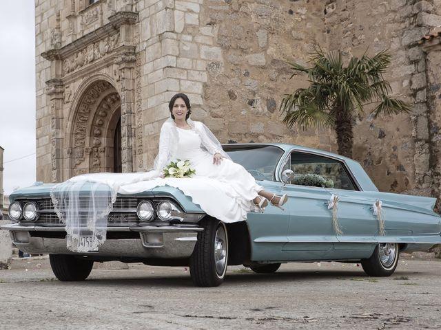 La boda de Carmen y Francisco en Almendralejo, Badajoz 28