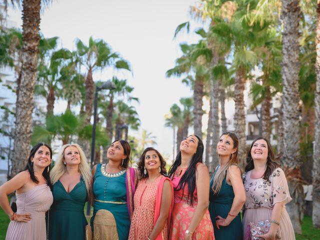 La boda de Sawan y Makena en Playa De Las Americas, Santa Cruz de Tenerife 34