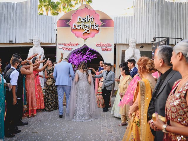La boda de Sawan y Makena en Playa De Las Americas, Santa Cruz de Tenerife 37