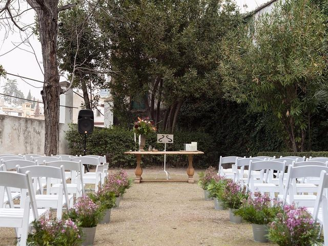 La boda de Juan y Nabila en Granada, Granada 13