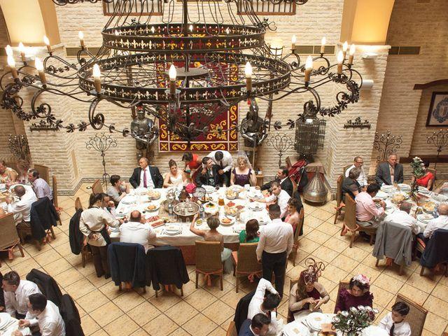La boda de Antonio y María Isabel en Los Palacios Y Villafranca, Sevilla 13
