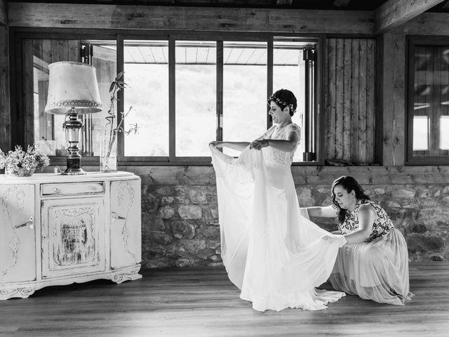 La boda de Xabier y Karen en Oiartzun, Guipúzcoa 27