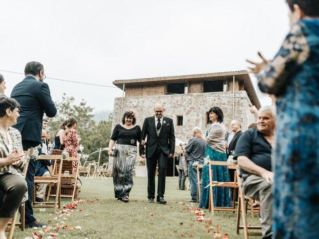 La boda de Xabier y Karen en Oiartzun, Guipúzcoa 29
