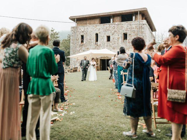La boda de Xabier y Karen en Oiartzun, Guipúzcoa 30