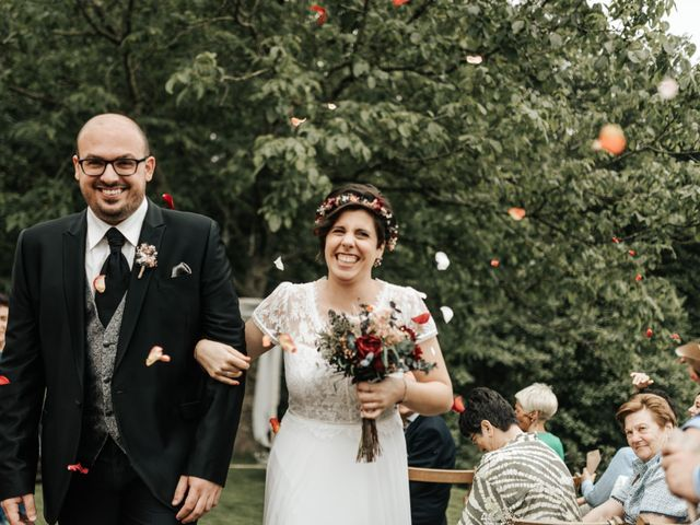 La boda de Xabier y Karen en Oiartzun, Guipúzcoa 35