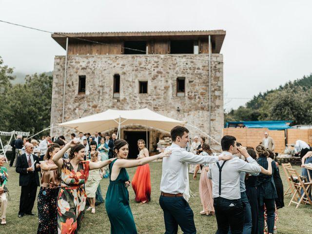 La boda de Xabier y Karen en Oiartzun, Guipúzcoa 47