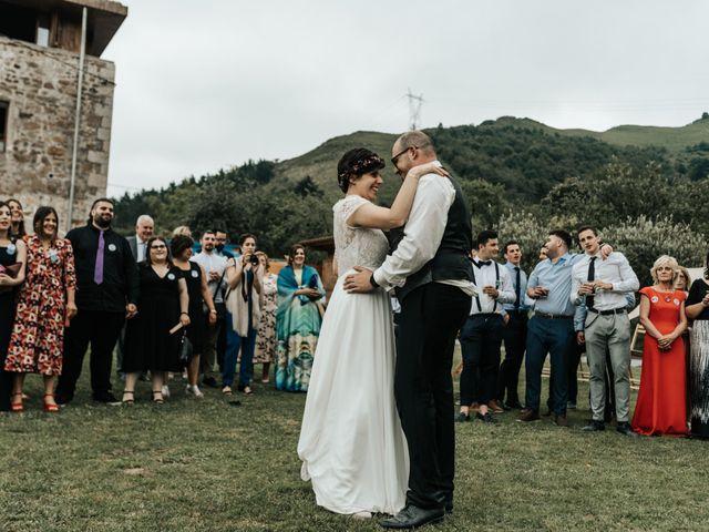 La boda de Xabier y Karen en Oiartzun, Guipúzcoa 63