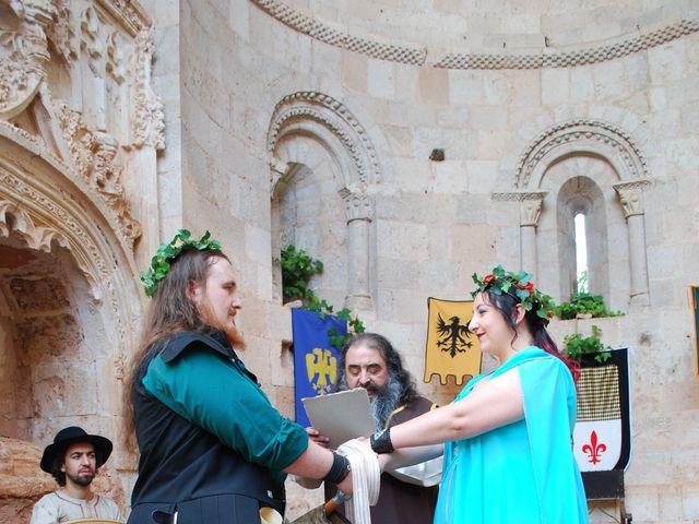 La boda de Héctor y Saray en Ayllon, Segovia 5