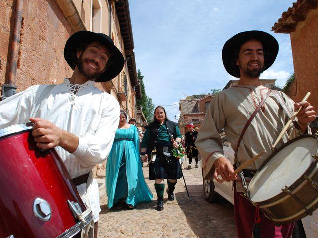 La boda de Héctor y Saray en Ayllon, Segovia 11