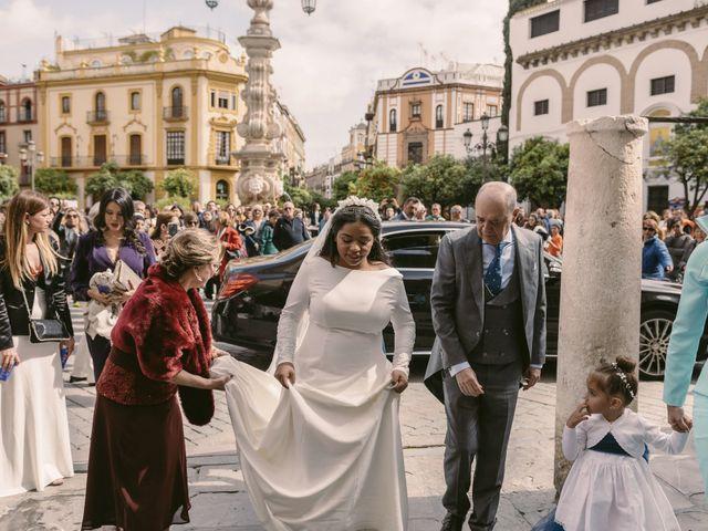 La boda de Evaristo y Lua en Sanlucar La Mayor, Sevilla 29