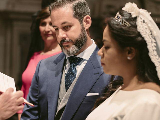 La boda de Evaristo y Lua en Sanlucar La Mayor, Sevilla 33