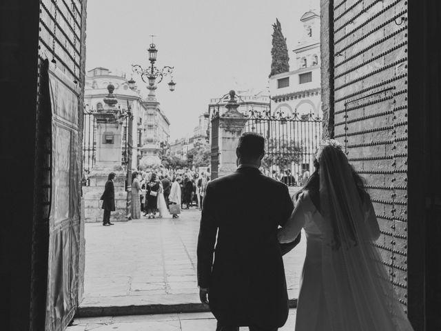 La boda de Evaristo y Lua en Sanlucar La Mayor, Sevilla 37
