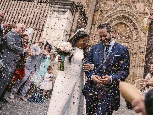 La boda de Evaristo y Lua en Sanlucar La Mayor, Sevilla 38