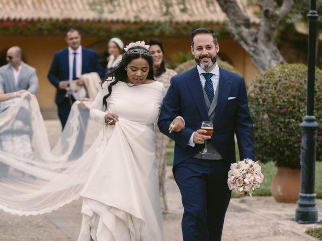 La boda de Evaristo y Lua en Sanlucar La Mayor, Sevilla 41
