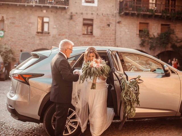 La boda de Pep y Marta en Santa Pau, Girona 27