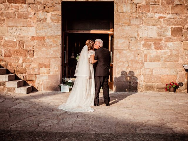 La boda de Pep y Marta en Santa Pau, Girona 30