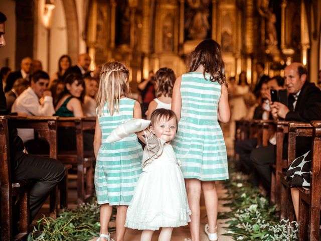 La boda de Pep y Marta en Santa Pau, Girona 32