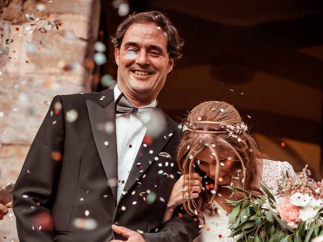 La boda de Pep y Marta en Santa Pau, Girona 34