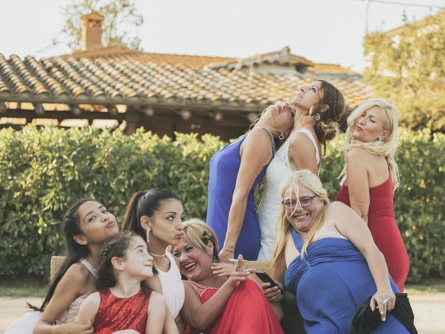 La boda de Ernesto y Sheila en Pueblo Sant Andreu Salou, Girona 20