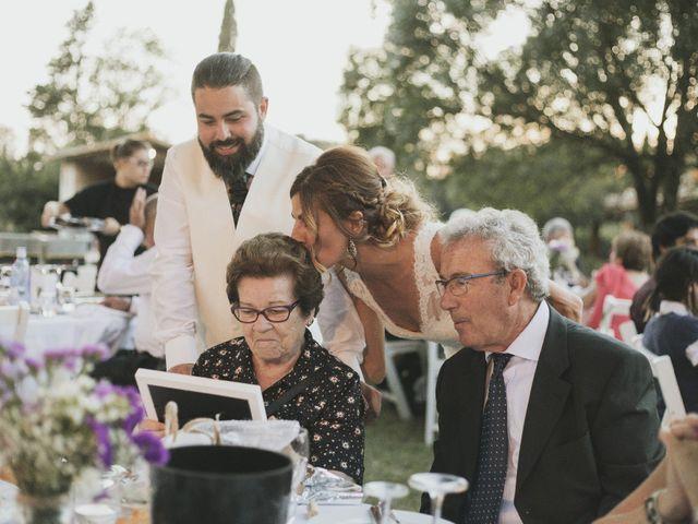 La boda de Ernesto y Sheila en Pueblo Sant Andreu Salou, Girona 24