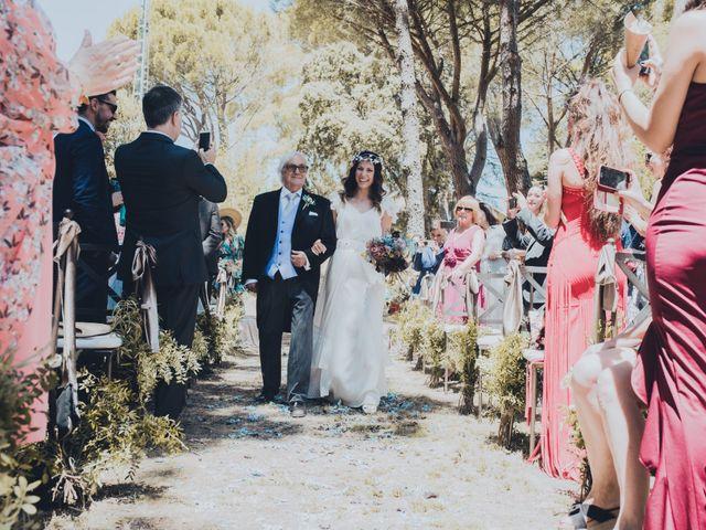 La boda de Manuel y Miriam en Valdemorillo, Madrid 18