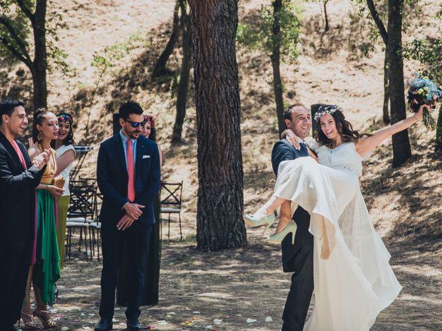 La boda de Manuel y Miriam en Valdemorillo, Madrid 28