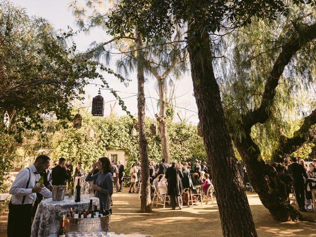 La boda de Curro y Shireen en Alcala De Guadaira, Sevilla 32