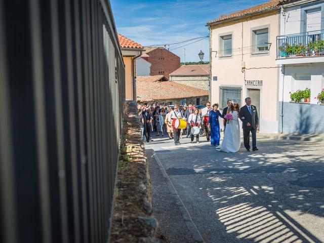 La boda de Fernando y Elena en Barco De Avila, Ávila 26
