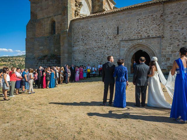 La boda de Fernando y Elena en Barco De Avila, Ávila 28