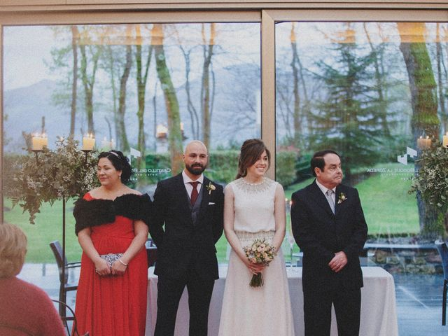 La boda de Miguel y Silvia en La Manjoya, Asturias 31