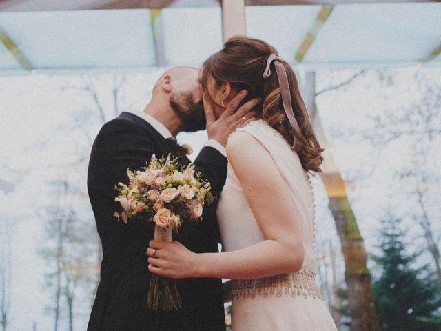 La boda de Miguel y Silvia en La Manjoya, Asturias 33