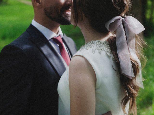 La boda de Miguel y Silvia en La Manjoya, Asturias 42