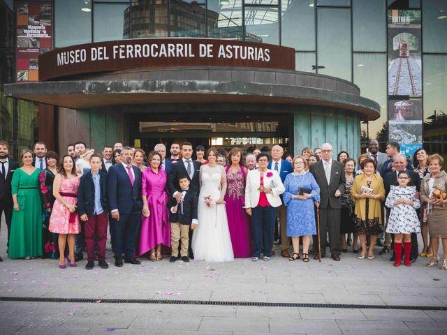 La boda de Victor y Alejandra en Gijón, Asturias 173