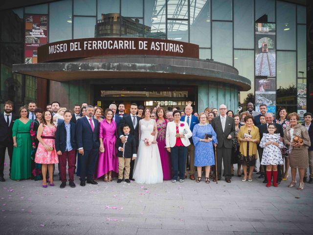 La boda de Victor y Alejandra en Gijón, Asturias 175