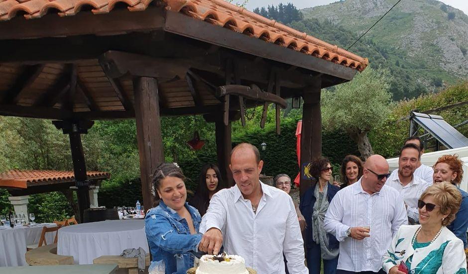 La boda de Rory y Eva en Berango, Vizcaya