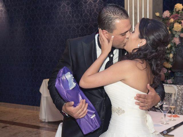 La boda de Sele y Lorena en Albal, Valencia 18