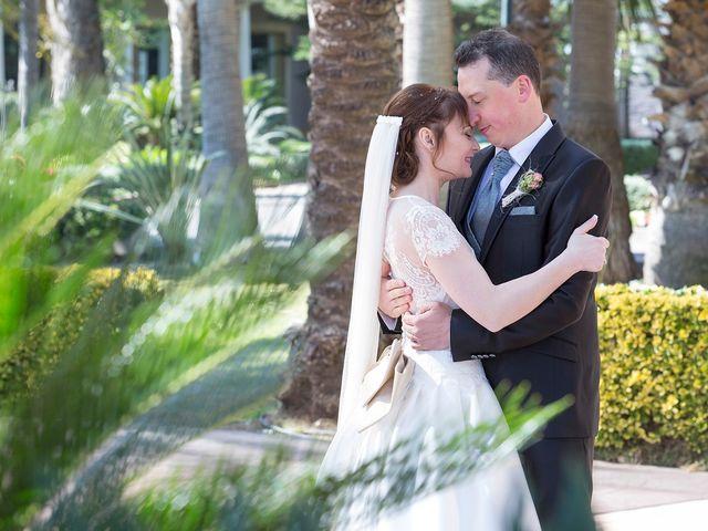 La boda de Jose y Julia en El Puig, Valencia 32