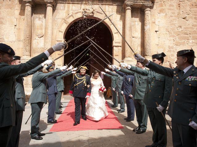 La boda de Julián y Soledad en Tarazona De La Mancha, Albacete 18