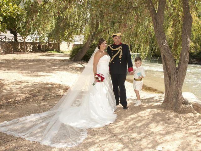 La boda de Julián y Soledad en Tarazona De La Mancha, Albacete 1