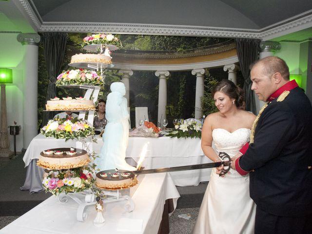 La boda de Julián y Soledad en Tarazona De La Mancha, Albacete 26